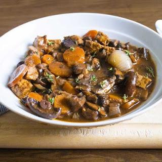 Vegan Boeuf Bourguignon with mushrooms and tempeh.