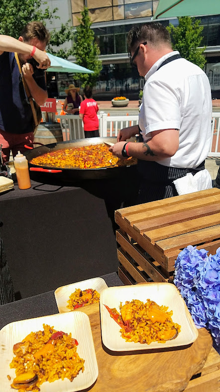 Photo Recap of Tastes of Spain, La Ruta PDX 2017, Chef Scott Ketterman of Crown Paella presents Paella Mixta Royale with Rabbit, Dungeness, Mussels, Clams, Prawns, Piquillo Peppers and Nora Aioli