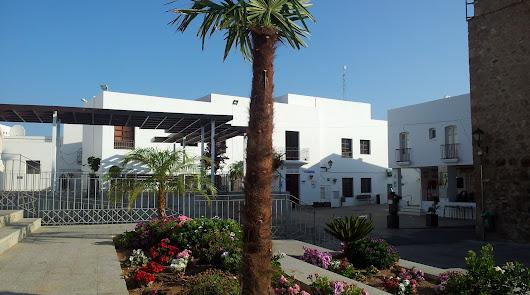 Correos se traslada a la Plaza del Frontón por las obras en Plaza Nueva