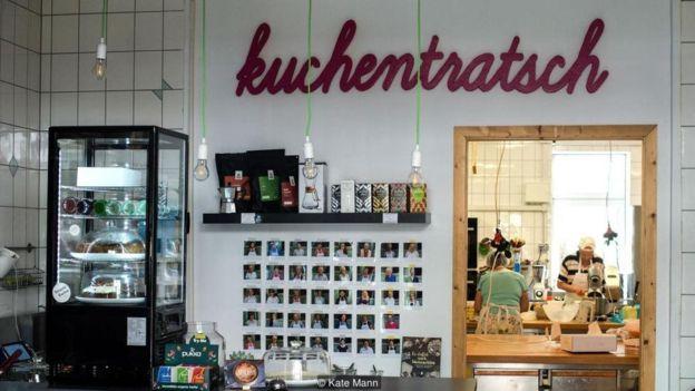 Đến Munich thưởng thức cà phê và bánh ngọt kiểu Đức