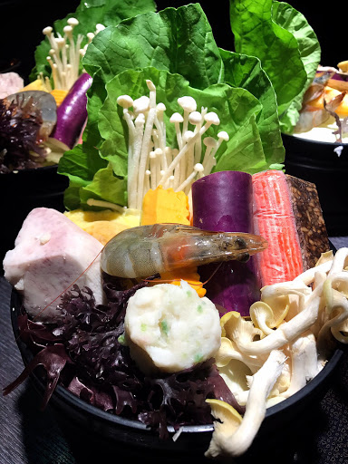超值的商務火鍋,牛肉好吃,湯頭也不賴。
