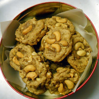 Cashew Toffee Cookies