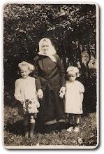 Photo: Od lewej: Sekścińska Daniela, Zduńczyk Marianna i Długozima Czesława
