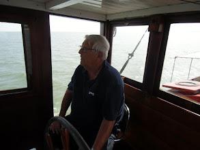 Photo: 2015 Martin vaart mee naar Zierikzee en staat een groot deel v/d reis aan het roer
