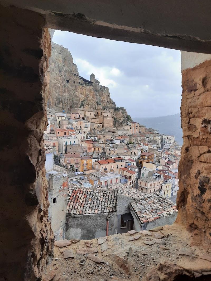 In Italia da qualche parte  di Jehona
