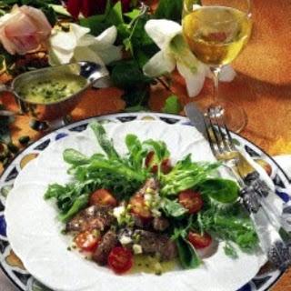 Salat mit Leber & Pistazien-Vinaigrette