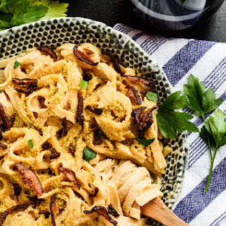 Creamy Carbonara Pasta with Shiitake Bacon | vegan, gf.