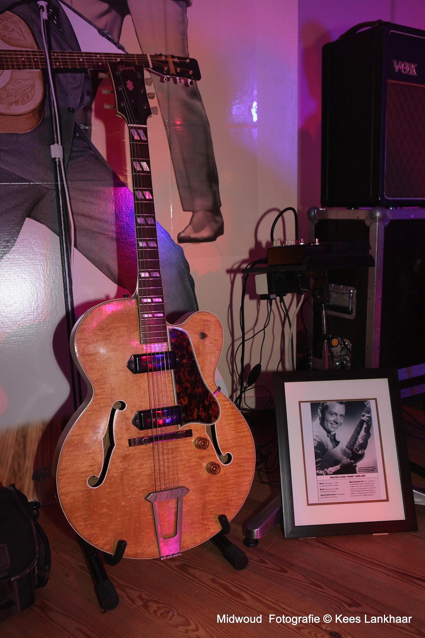 Photo: Gibson 1952