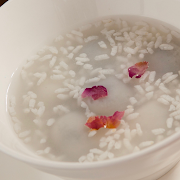 Tang Yuan in Wine Soup