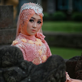 Seriously Beautiful by Mardi Tri Junaedi - Wedding Bride ( #younggirl, #seriously, #beautifull, #hijab )