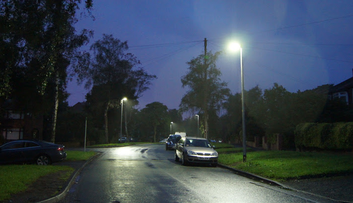 New LED street lights being fitted in Newtown