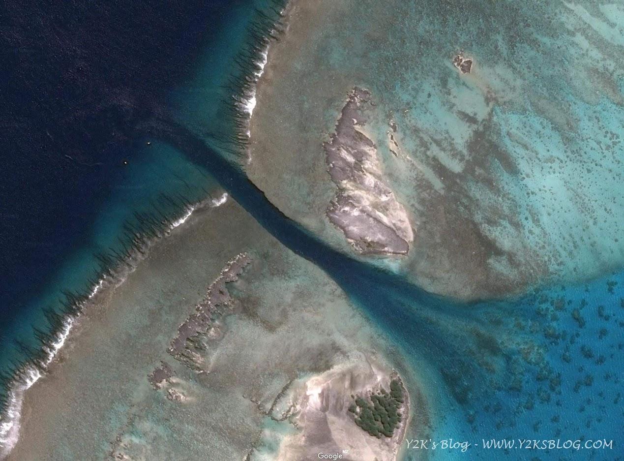 La pass di Maupihaa via satellite