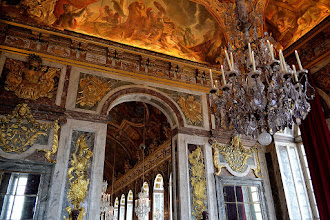 Photo: Entrance to the Hall of Mirrors