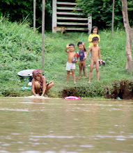 Photo: Year 2 Day 34 -  Children on the Banks of the Mekong