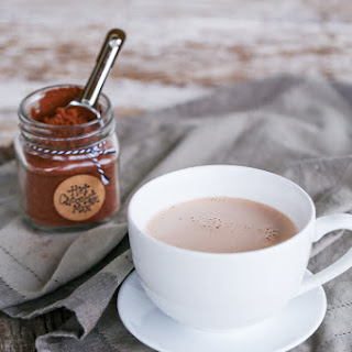 Homemade Paleo Hot Chocolate Mix {with Low-Carb & Primal options}.