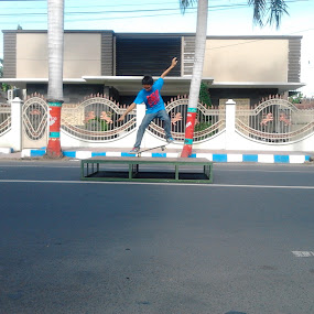 by Hargo Sulaksono - Sports & Fitness Skateboarding