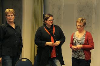 Photo: 3 x 20 is 60 jaar lidmaatschap! Ria, Ellen en Henny ontvangen een blijk van waardering.