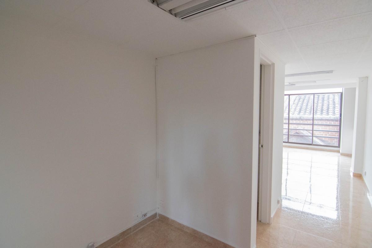 oficina en arriendo poblado 585-24680