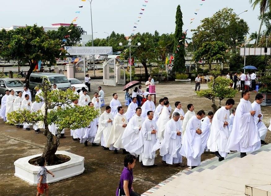 Thánh lễ tạ ơn của Tân linh mục GB. Lê Hoàng Huynh, OP tại giáo xứ Vị Hưng