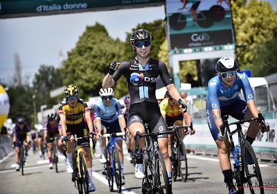 Nederlandse Lorena Wiebes wordt door haar ploeg perfect naar zege gepiloteerd in Ronde van Drenthe