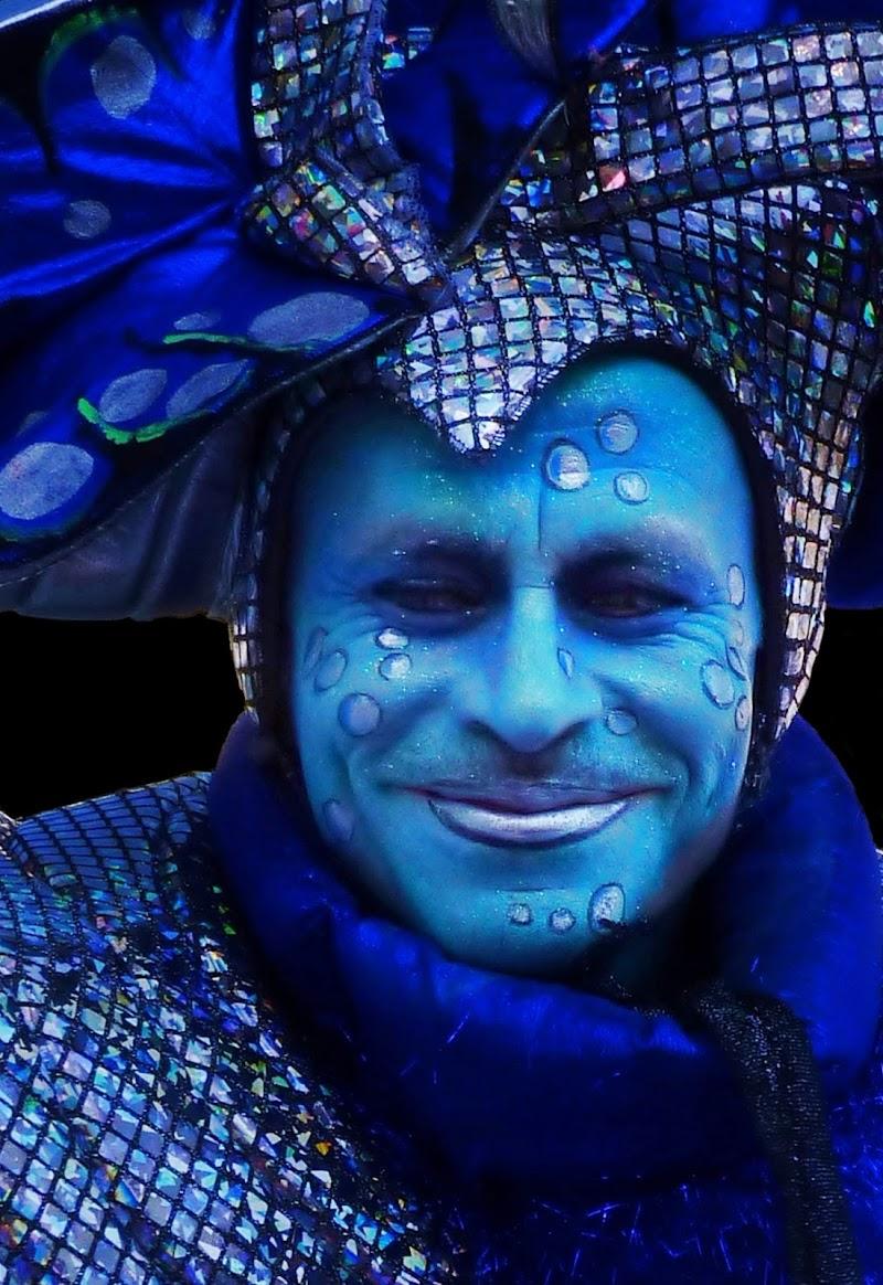 Il sorriso dell'alieno di Justinawind