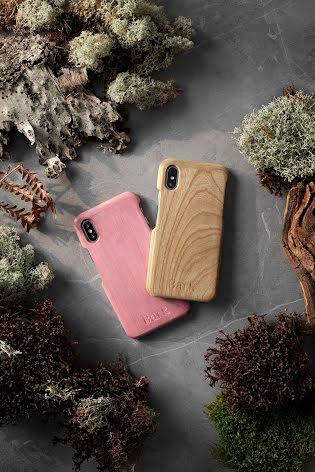 Mobilskal till iPhone 7 av svenskt hyggefritt trä, natur eller färg