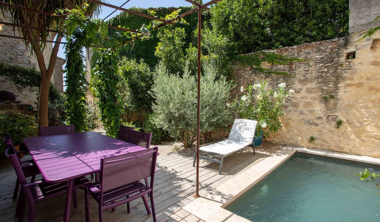 Contemporary house with pool and garden Uzès