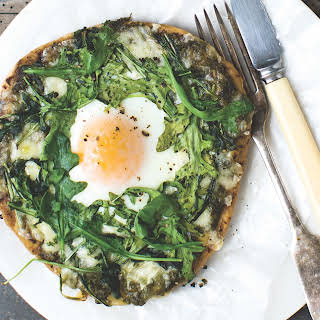 How To Make Egg In A Nest Breakfast Pizza.