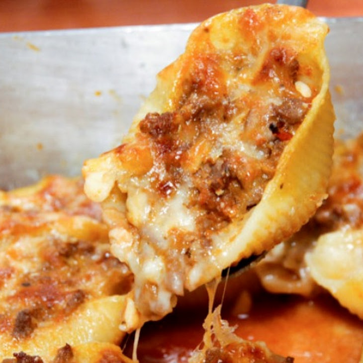 Ground Beef and Cheese Stuffed Pasta Shells