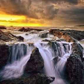 Let it go by Hendri Suhandi - Landscapes Waterscapes ( waterscape, sunset, stone, rock, flow, seascape, sunrise, beach, cave, motion )