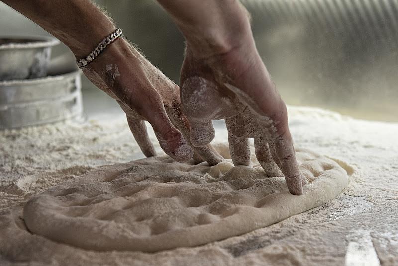 Con le mani... di Domenico Cippitelli