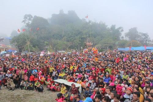 Đền Đuổm nô nức lễ hội 6