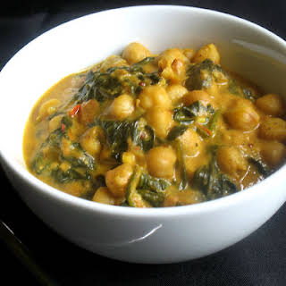 Chana Palak (Spicy Chickpeas and Spinach).