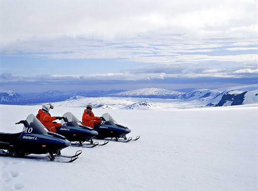 Iceland-snowmobile2.jpg - Oh, yes, I'll be doing a snowmobiling tour.