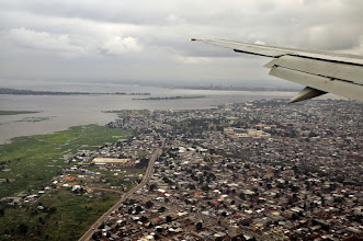 Photo: Brazzaville ...and Kinshasa on the other side