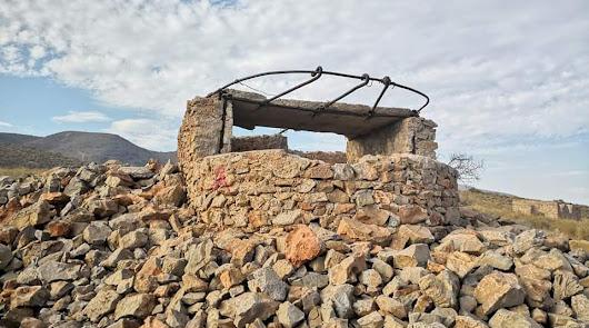 Galería: la batería antiaérea olvidada de la Guerra Civil en Roquetas de Mar
