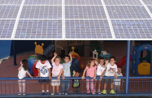 Photo partenaire SMA panneaux solaires école