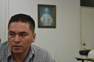 Photo: Giovanni Marín en su oficina de COLTEJER
