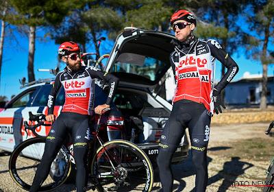 """🎥 """"Met overmacht"""": beste maatjes Wellens en De Gendt rijden samen als winnaars over de 'finish' op Lottostage"""