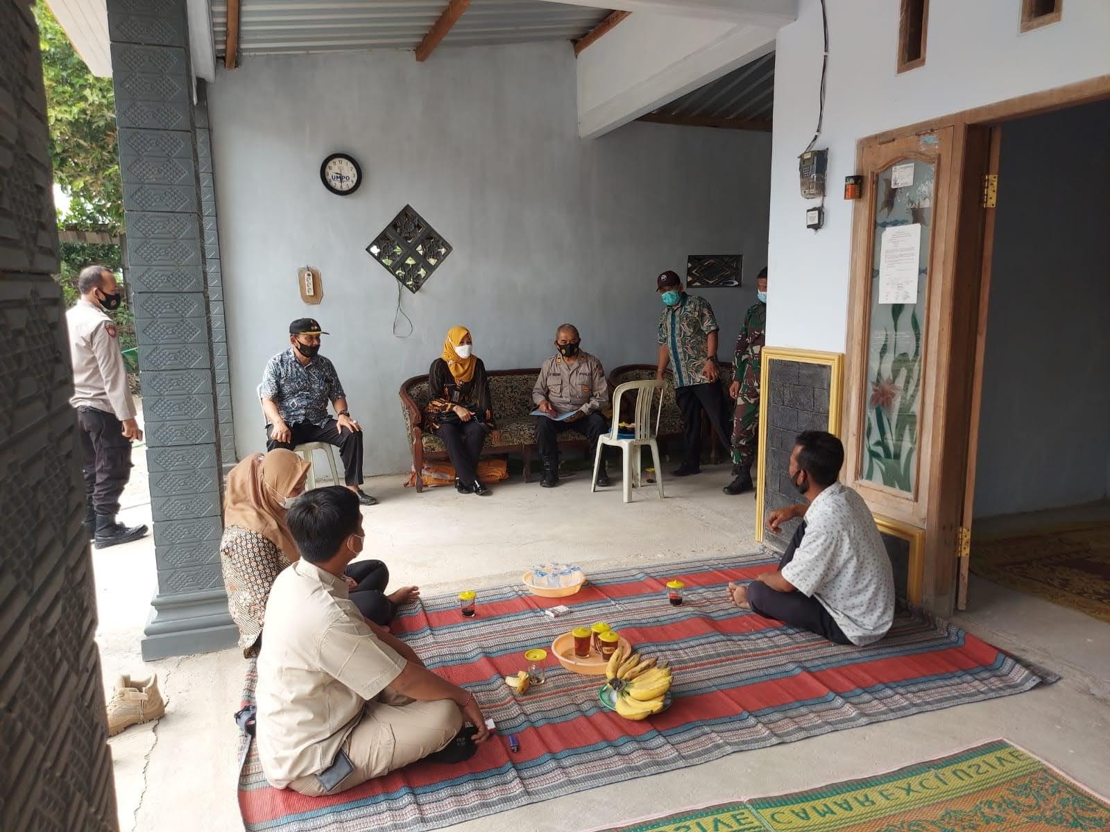Forpimka Sukorejo Gencar Himbau Masyarakat Patuhi PPKM Darurat