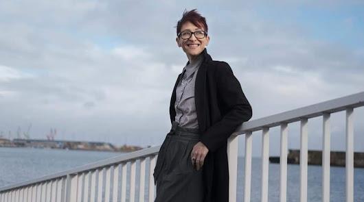 La poeta asturiana Laura Fjäder presenta este jueves en Almería su último libro