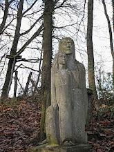 Photo: Dans le parc du monastère des Orantes à Bonnelles