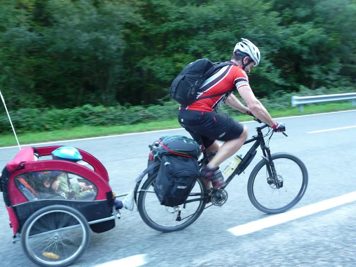 Sillas de beb para bicicleta disfruta los paseos en for Sillas para guaguas