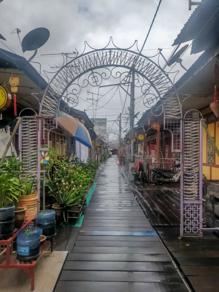jetty+chinese+houses+street+food+penang+island+malaysia