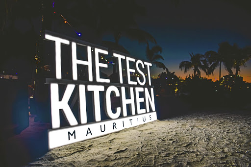 Chef Luke Dale-Roberts has opened a 'pop-up' Test Kitchen at the Republik restaurant in Mauritius.