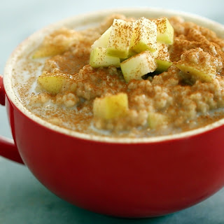 Apple Pie Oatmeal in a Mug