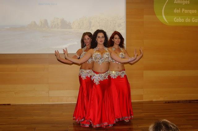 La danza oriental vino de la mano de integrantes de la Escuela de Danza Cristina Samaniego.