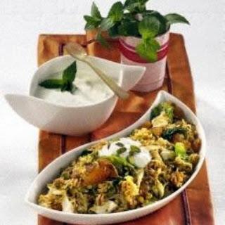 Orientalischer Reis mit Minzjoghurt