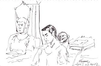 Photo: 復健2012.04.23鋼筆 監獄連復健器具都有,但只有骨科醫師來時才有得做,所以復原也就慢慢慢囉!