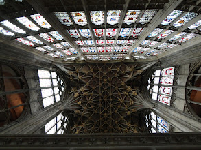 Photo: Roof and stained glass window of Gloucester Cathedral